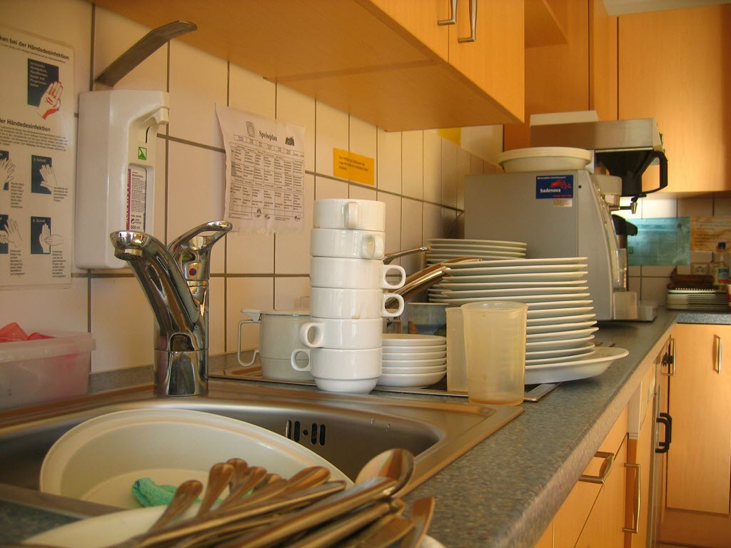 clean dishes properly organize